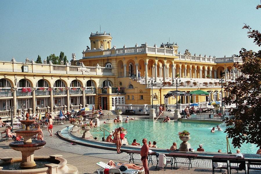 Budapest,_the_Széchenyi_Baths_(1).jpg